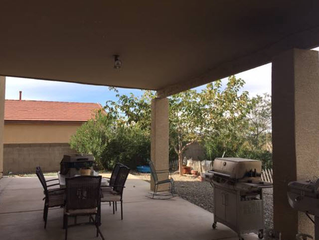10 Covered patio